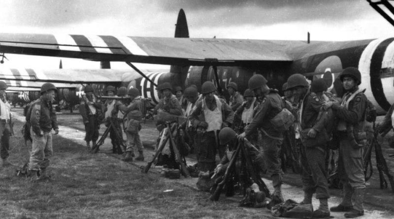82 Dywizja Powietrznodesantowa przed lotem do Francji w 1944 roku
