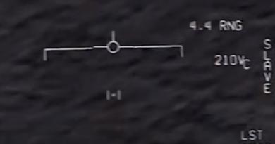 Pentagon pokazał nagrania z UFO - to bylo spotkanie z kosmitami?