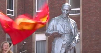 Pomnik Lenina w Niemczech - czy na świecie szykuje się powrót komunizmu?