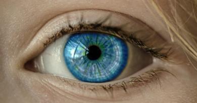 Jak określić wiek biologiczny? Nowa metoda i badanie oka