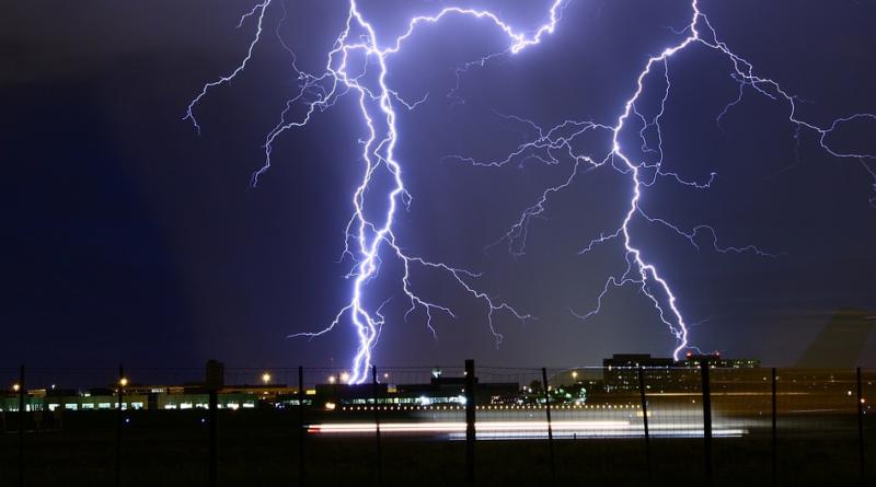 Pioruny jako broń USA? Tajny raport i kontrolowanie pogody