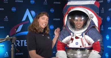 NASA zaprezentowała nowy skafander kosmiczny xEMU