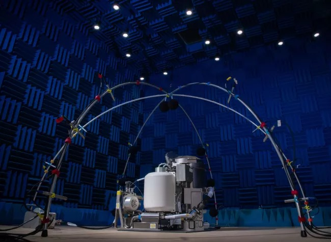 NASA testuje nowoczesną ubikację UWMS przed wysłaniem w kosmos