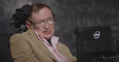 Stephen Hawking, teorie i wypowiedzi - kobiety bardziej tajemnicze niż koniec świata i czarne dziury?