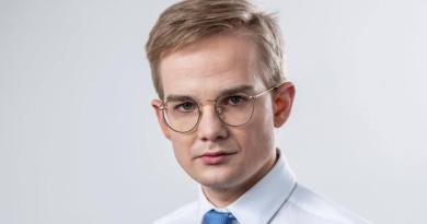 Wiceminister finansów Piotr Patkowski: koronawirus, rekompensaty i pieniądze