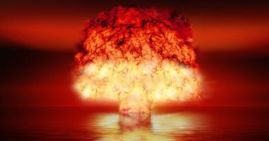 Bomba atomowa Little Boy - gdy zamiast w Hiroshimie wybuchła w Warszawie?