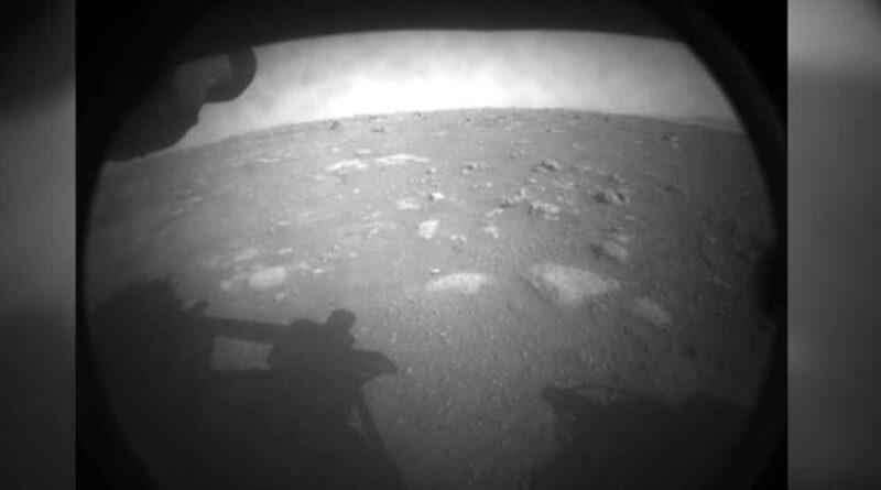 Łazik Perseverance udostepnia zdjęcia i nagrania z Marsa? NASA prezentuje jak brzmi wiatr na Marsie
