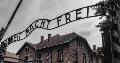 """Francuskie radio France Kulture oskarża Polskę o zbrodnie III Rzeszy i wspomina """"polskie obozy śmierci"""""""