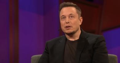 Elon Musk i Neuralink - kolejny eksperyment i małpa z wszczepionym implantem do mózgu