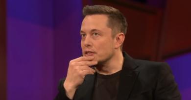 Elon Musk twierdzi, że kosmici nie istnieję. Argument przeciw UFO na Twitterze