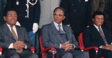 Nie żyje były prezydent Madagaskaru Didier Ratsiraka, znany także jako Czerwony Admirał