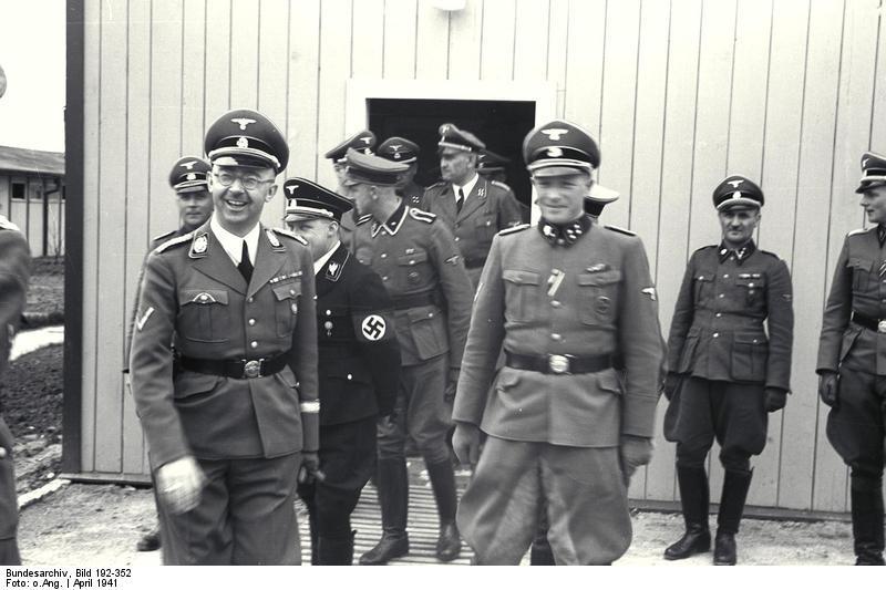 Franz Huber, Heinrich Himmler, August Eigruber i oficerowie SS w obozie koncentracyjnym Mauthausen-Gusen w 1941 roku