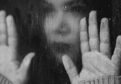 Pandemia covid-19 i lockdown powodują masowe zaburzenia psychiczne u dzieci i młodzieży