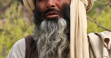 Talibowie w Afganistanie uderzają w barberów i fryzjerów. Strzyżenie brody zabronione